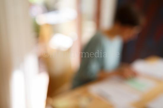 Frau bei der Büroarbeit - Moodbild
