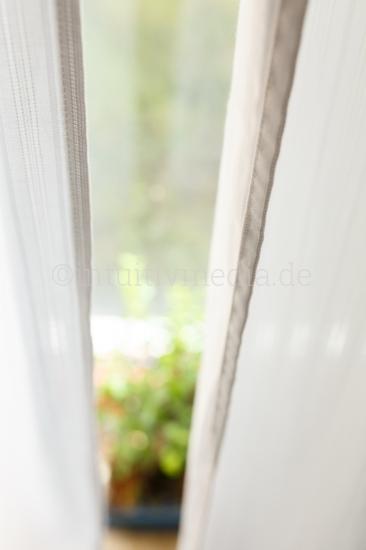 Hinter dem Fenster