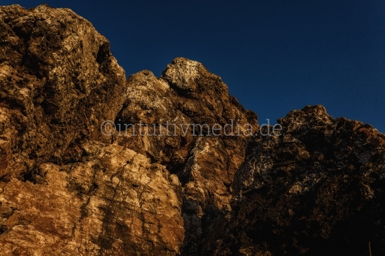 Felsen mit Himmel Algarve - Portugal