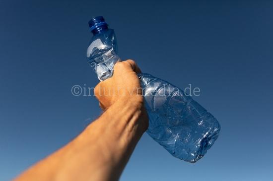 Plastikflasche -Umweltverschmutzung