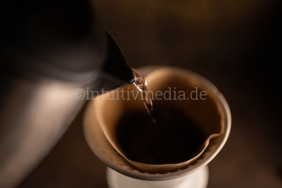 Kaffe Zubereitung im Filter