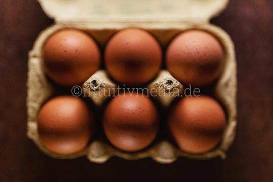6 eggs in a box