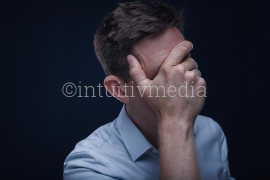 Depression - Sorgen - Lebenskrise - Portrait