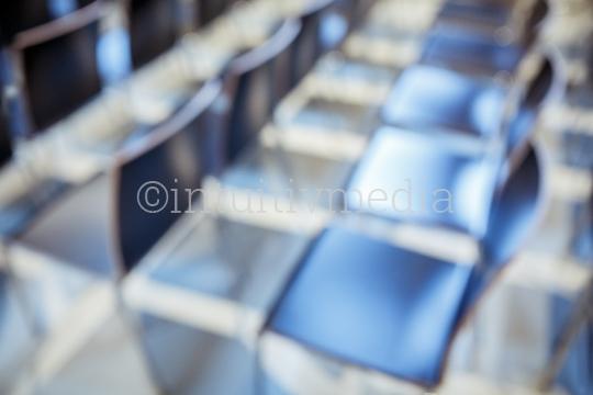 Stühle unscharf