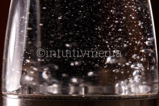 Durchsichtiger Wasserkocher
