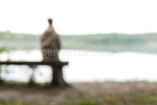 Allein am See - Einsamkeit