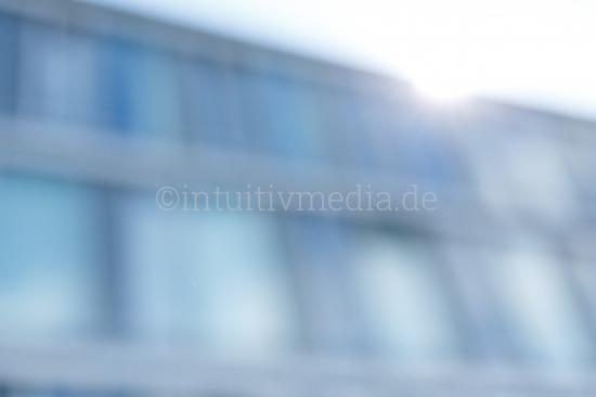 Unscharfe Büro Fassade aus Glas