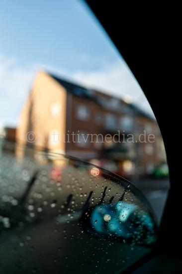 PKW fenter bei Regen