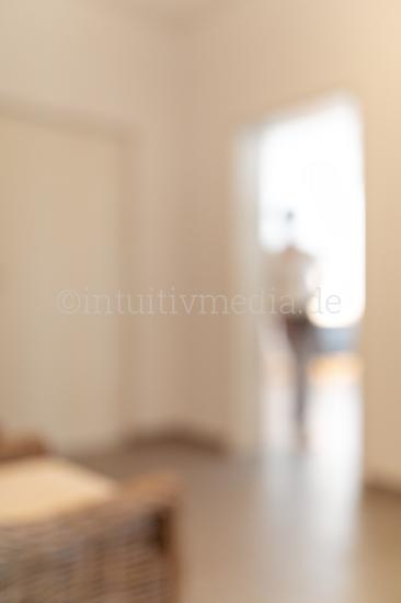 Silhouette in der Tür