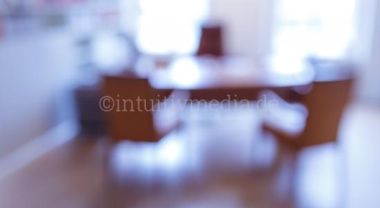 Helles Büro - Schreibtisch unscharf