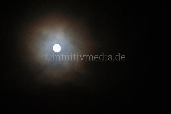 Mond mit Aura