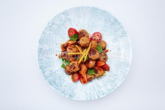 Fleichbällchen Gericht - Teller von oben