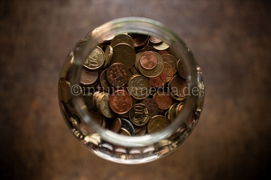 Euro Münzen in großem Spar Glass