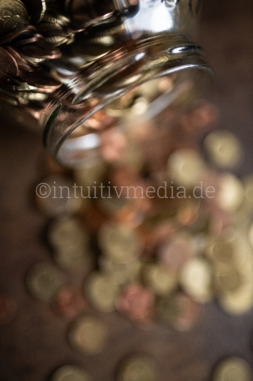 Viele Euro Münzen gespartes
